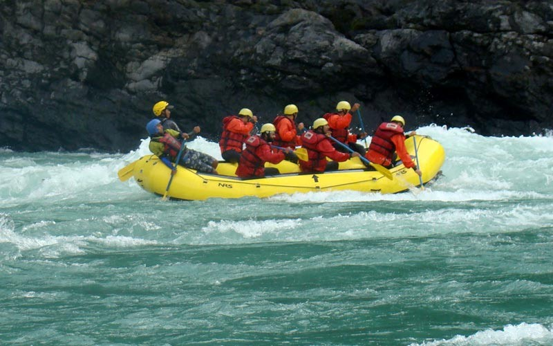 public/images/products/bhramaputra-river-rafting4.jpg